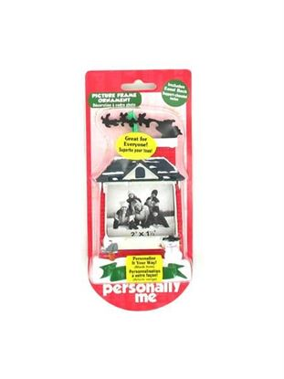 Picture of Blank ornament frame (Available in a pack of 24)